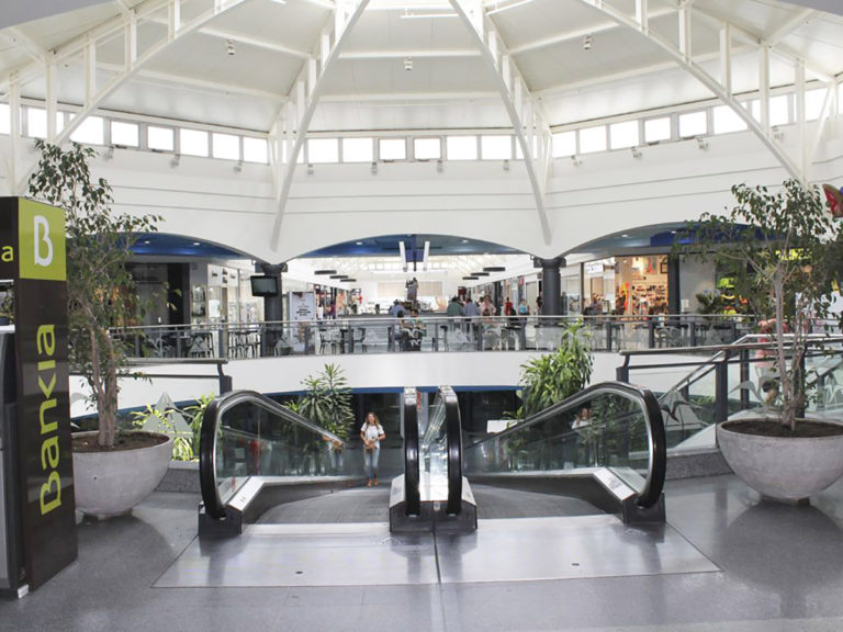 centro-comercial-elpaseo-04-L1200px